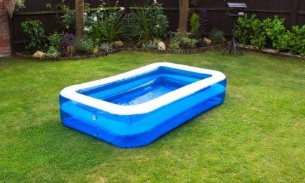 Få badebassin i haven og hyg dig sammen med hele familien